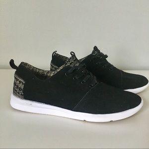 Men's TOMS Black Pattern Fashion Sneakers